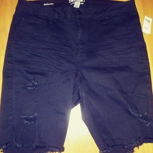 NWT Black Distressed Shorts